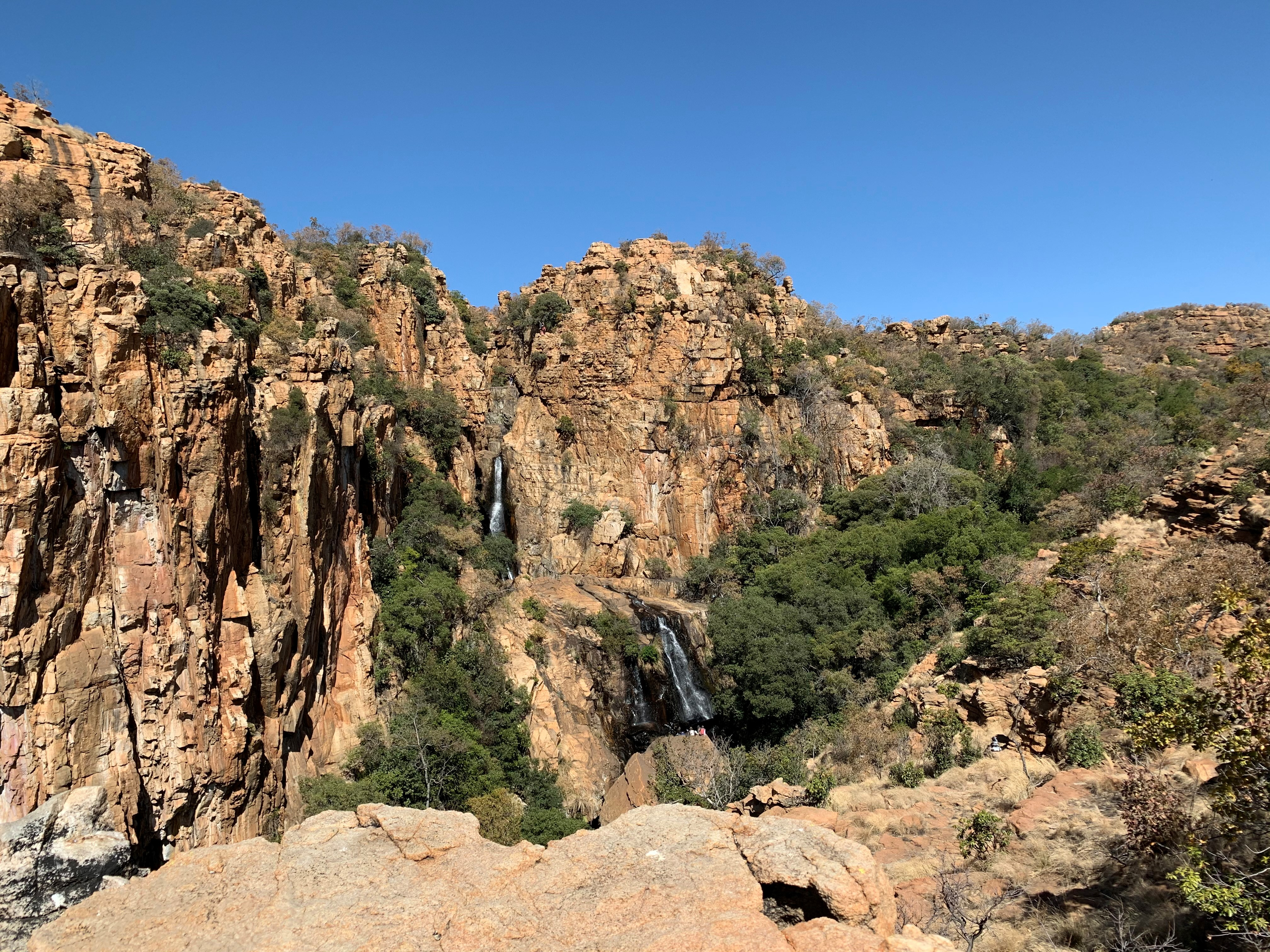 Maretlwane background